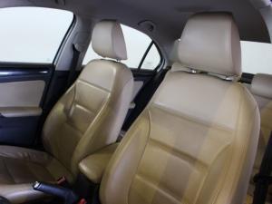 Volkswagen Jetta 1.6TDI Comfortline auto - Image 6