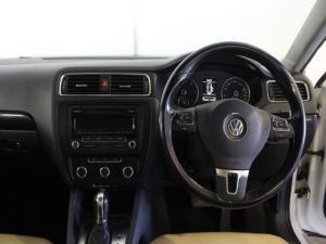 Volkswagen Jetta 1.6TDI Comfortline auto - Image 8