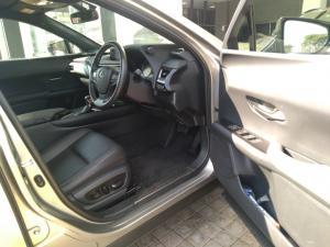 Lexus UX 250h EX - Image 14