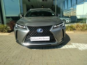 Lexus UX 250h EX - Image 9