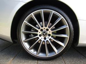 Mercedes-Benz E 300 Cabriolet - Image 10