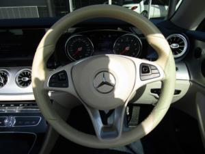 Mercedes-Benz E 300 Cabriolet - Image 2