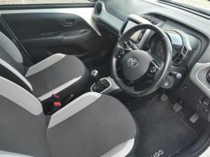 Toyota Aygo 1.0 X-CITE - Image 11