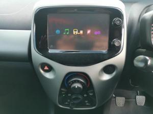 Toyota Aygo 1.0 X-CITE - Image 15