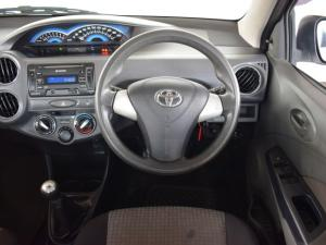 Toyota Etios hatch 1.5 Xs - Image 15