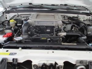 Nissan Hardbody NP300 2.5 TDi HI-RIDERD/C - Image 13