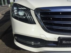 Mercedes-Benz S450 - Image 13