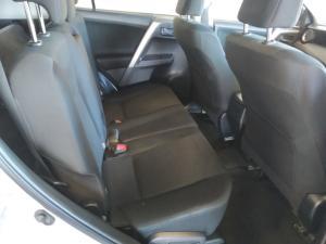 Toyota RAV4 2.0 GX - Image 10