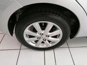 Toyota Yaris 5-door 1.3 XS - Image 10