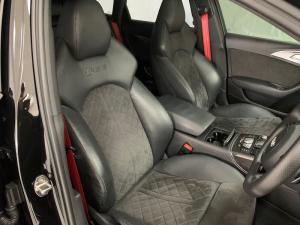 Audi RS6 Quattro Avant - Image 14