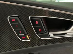 Audi RS6 Quattro Avant - Image 16