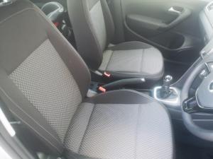 Volkswagen Polo sedan 1.6 Comfortline - Image 10