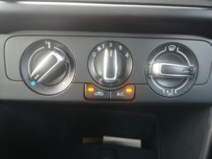 Volkswagen Polo sedan 1.6 Comfortline - Image 13