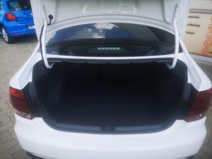 Volkswagen Polo sedan 1.6 Comfortline - Image 9