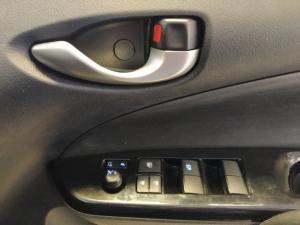 Toyota Yaris 1.5 Xs auto - Image 18