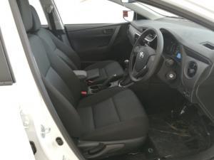 Toyota Corolla Quest 1.8 Prestige - Image 6