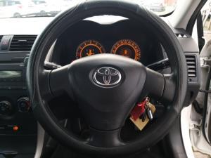 Toyota Corolla 1.3 Professional - Image 11