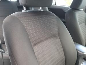 Toyota Corolla 1.3 Professional - Image 8