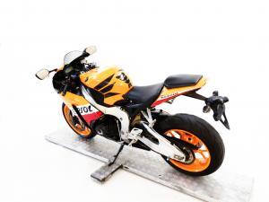 Honda CBR 1000RR Fireblade - Image 5