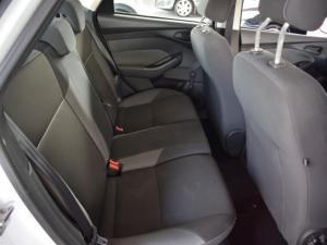 Ford Focus hatch 1.6 Ambiente - Image 11