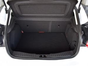 Ford Focus hatch 1.6 Ambiente - Image 12