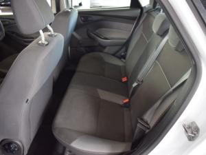 Ford Focus hatch 1.6 Ambiente - Image 13