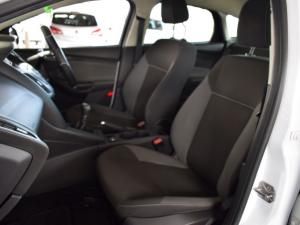 Ford Focus hatch 1.6 Ambiente - Image 14