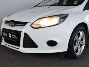Ford Focus hatch 1.6 Ambiente - Image 5