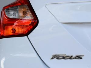 Ford Focus hatch 1.6 Ambiente - Image 8