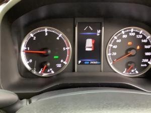 Toyota Quantum 2.8 LWB bus 9-seater VX Premium - Image 15