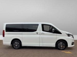 Toyota Quantum 2.8 LWB bus 9-seater VX Premium - Image 2