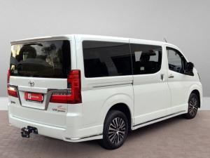 Toyota Quantum 2.8 LWB bus 9-seater VX Premium - Image 3