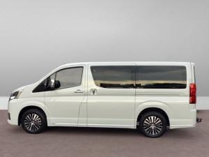 Toyota Quantum 2.8 LWB bus 9-seater VX Premium - Image 6