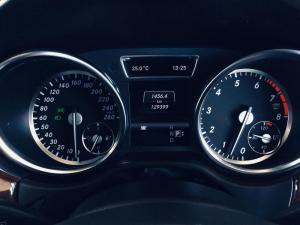 Mercedes-Benz ML 500 BE - Image 11