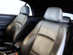 BMW 1 Series 120i convertible Exclusive - Image 10