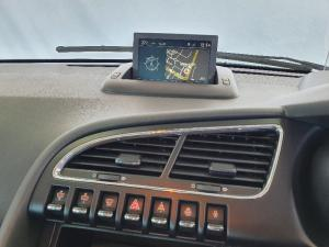Peugeot 3008 2.0HDi Executive automatic - Image 10