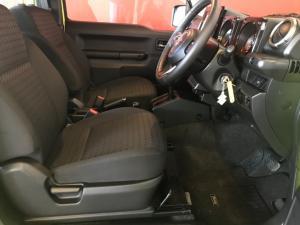Suzuki Jimny 1.5 GLX AllGrip auto - Image 16