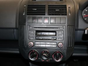 Volkswagen Polo Vivo hatch 1.4 Conceptline - Image 14