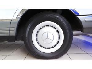 Mercedes-Benz 380 SE automatic - Image 7
