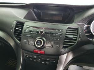 Honda Accord 2.0 automatic - Image 8