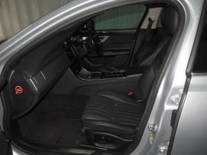 Jaguar XF 25t Portfolio - Image 10