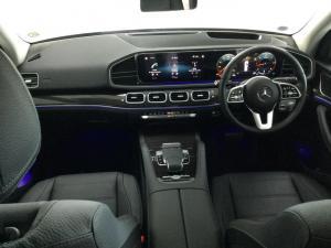 Mercedes-Benz GLS GLS400d 4Matic - Image 13