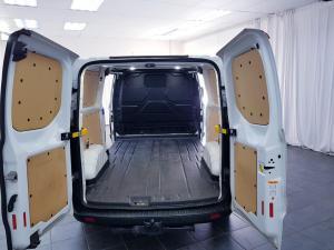 Ford Transit Custom panel van 2.2TDCi 92kW LWB Ambiente - Image 11