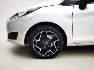 Ford Fiesta 5-door 1.0T Ambiente auto - Image 17