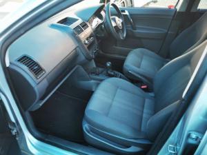 Volkswagen Polo Vivo hatch 1.4 Blueline - Image 2