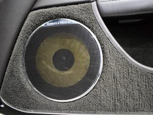 Jaguar XK XKR - Image 10