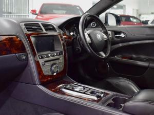 Jaguar XK XKR - Image 17