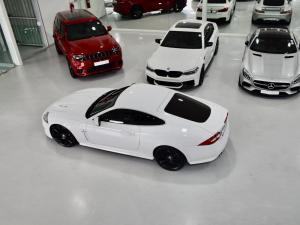 Jaguar XK XKR - Image 20