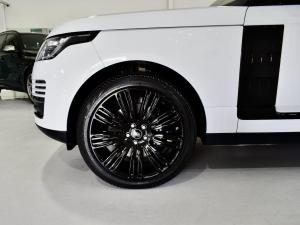 Land Rover Range Rover Vogue Westminster Black SDV8 - Image 2