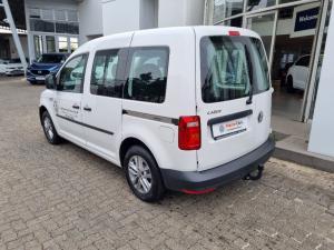 Volkswagen Caddy 2.0TDI crew bus - Image 4
